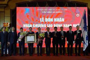 VNPT Hải Dương nhận Huân chương lao động hạng Nhất