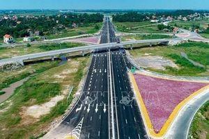 Đưa Quảng Ninh trở thành trung tâm dịch vụ chất lượng cao của khu vực