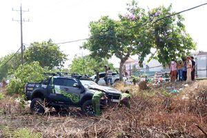 Hai ô tô va chạm với nhau, người đàn ông đứng trên vỉa hè bị tông tử vong