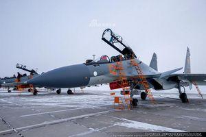 Phi công Nga đích thân lái Su-30SM nội địa bàn giao cho đồng minh thân thiết