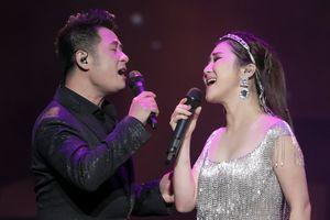 Sau giải ZMA, Hương Tràm bùng cháy trong live show đầu tiên
