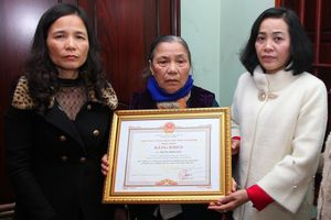 Bí thư Ninh Bình thăm gia đình người đàn ông hiến mô, tạng cứu 6 người