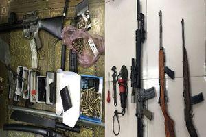 Hà Nội: Phát hiện cả 'kho' súng đạn trong nhà đối tượng ở Đại Kim