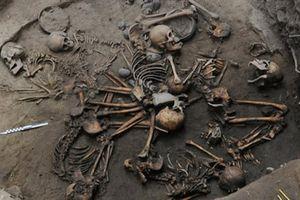 Bất ngờ với vài cách mai táng độc lạ của người cổ đại