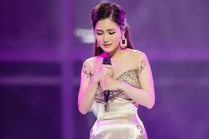 Hương Tràm lấy trọn trái tim hàng ngàn khán giả trong Live show đầu đời