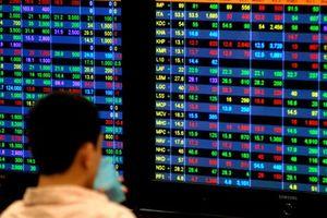 Thêm doanh nghiệp và cá nhân bị phạt hành chính trên thị trường chứng khoán