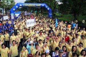 Hơn 15.000 người tham gia đi bộ từ thiện gây quỹ cho người nghèo