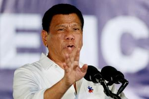 Tổng thống Philippines tuyên bố 'cự tuyệt' vũ khí Mỹ