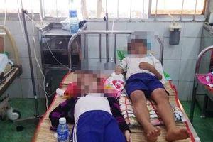 Cà Mau: Nhiều học sinh nhập viện sau khi súc miệng bằng dung dịch fluor