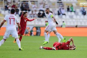 Tiền vệ Đức Huy bị mất trí nhớ tạm thời do chấn thương trong trận đấu với Iran