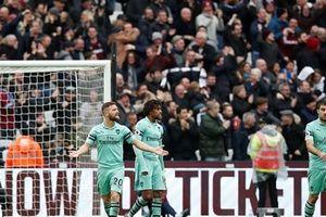 Thất bại trước WestHam, Arsenal rời xa top 4