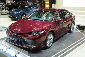 Toyota Camry 2019 ra mắt tại Singapore, rộng cửa về Việt Nam