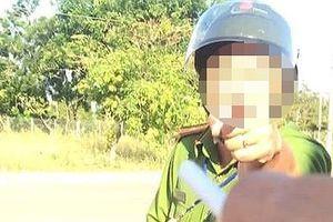 Tạm đình chỉ thiếu tá công an văng tục với tài xế do bị khích