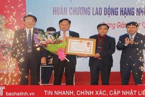 Quỹ TDND liên xã Cương Gián đón nhận Huân chương Lao động hạng Nhì