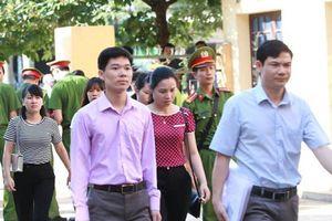 Bác sĩ Hoàng Công Lương có đủ sức khỏe để tham gia phiên tòa ngày 14/1?