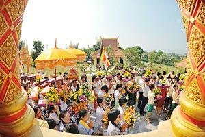 Làng Việt du lịch về nơi tín ngưỡng tâm linh