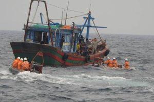 Hơn 1.000 thuyền viên được cứu sống trên biển