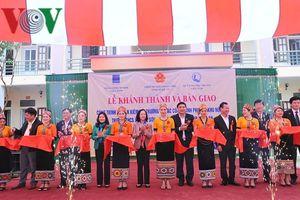 Bà Trương Thị Mai dự lễ khánh thành khu nội trú trường học ở Nghệ An