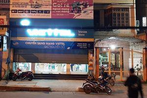Bắt nghi phạm dùng súng uy hiếp, cướp trong cửa hàng Viettel