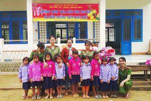 Mang Tết đến học trò nghèo vùng cao