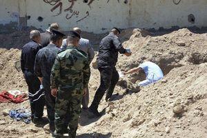 Kinh hoàng hố chôn tập thể nạn nhân bị IS giết tại Iraq