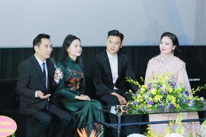 Sao mai Huyền Trang lần đầu bật mí trong phim ca nhạc: 'Mẹ là điều tuyệt vời nhất'