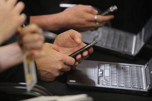 Smartphone học gì từ đường lao dốc tăng trưởng thị trường PC?