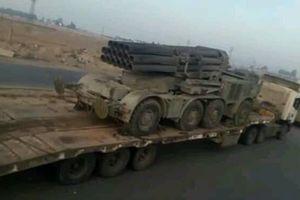 Chùm ảnh: Quân đội Syria chuyển một loạt bệ phóng tên lửa hạng nặng tới Idlib