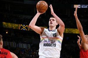 Nikola Jokic có Carrer-high, giúp Denver Nuggets thắng trận thứ 12 trên sân nhà