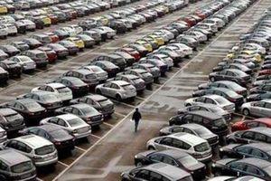 Doanh số bán ô tô tại Trung Quốc giảm mạnh nhất trong 7 năm qua