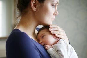 5 triệu chứng bất thường sau sinh, sản phụ nên hết sức lưu ý!