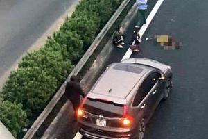 Đi bộ qua đường cao tốc Pháp Vân – Cầu Giẽ bị ô tô đâm chết tại chỗ