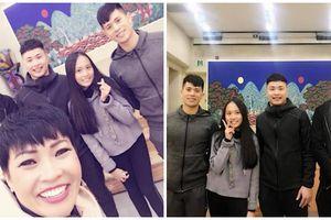Mẹ con Phương Thanh hở hớn gặp Đình Trọng khi đi lưu diễn ở Hàn Quốc
