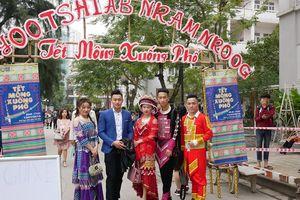 Độc đáo ngày hội 'Tết Mông xuống phố'