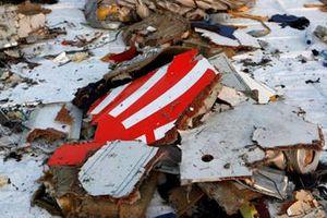 Tìm thấy hộp đen ghi âm buồng lái của chiếc máy bay Indonesia gặp nạn