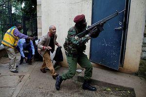 Khách sạn cao cấp ở Thủ đô Kenya bị tấn công, nhiều người bỏ chạy tán loạn
