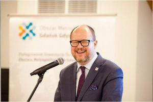Thị trưởng Ba Lan bị đâm đã qua đời khiến châu Âu thương xót