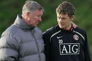 Sir Alex Ferguson đã giúp đỡ trò cũ Solskjaer thế nào?
