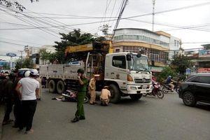 Va chạm xe tải cẩu điện lưới, một người tử vong