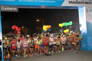 Đột tử trên đường chạy marathon TP.HCM: Cách nào rà soát sức khỏe thí sinh?