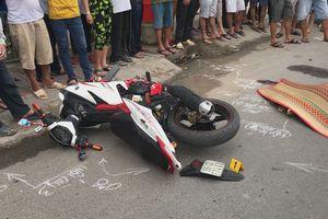 Xe máy va chạm xe rác, hai thanh niên chết tại chỗ