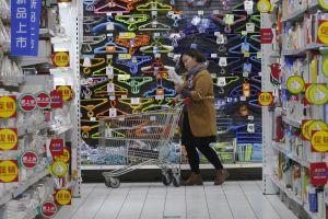 Người lao động Trung Quốc có thể được nghỉ 2,5 ngày cuối tuần để đi mua sắm