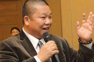 Chủ tịch Tôn Hoa Sen lên núi tu luyện, sống cảnh thần tiên