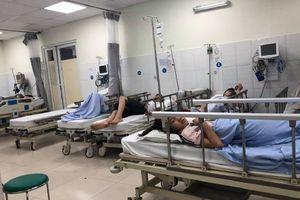 Ăn tiệc cuối năm ở nhà hàng, 10 người nhập viện nghi do ngộ độc ở Sài Gòn