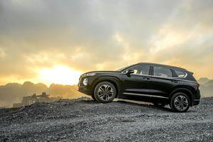 Giá từ 995 triệu đồng, Hyundai Santa Fe 2019 có gì hot?