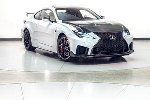Lexus vén màn RC F phiên bản 2020 được tối ưu hiệu suất và thêm nhiều carbon