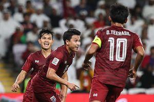 Asian Cup: Thái Lan vào vòng 1/8, tuyển Việt Nam thêm khó khăn