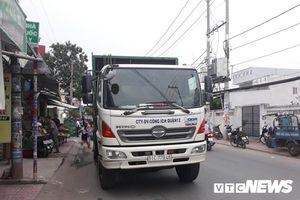 Hai thanh niên chết thảm vì va chạm với xe chở rác ở TP.HCM