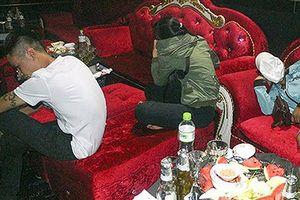 Hàng chục nam nữ thanh niên 'phê' ma túy trong quán bar