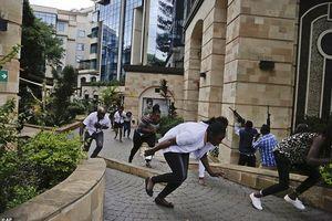 Tấn công khủng bố ở khách sạn hạng sang, 15 người thiệt mạng